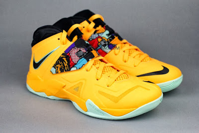 nike zoom soldier 7 gr yellow pop art 4 11 Nike Soldier VII Coconut Groove aka Pop Art available at Eastbay