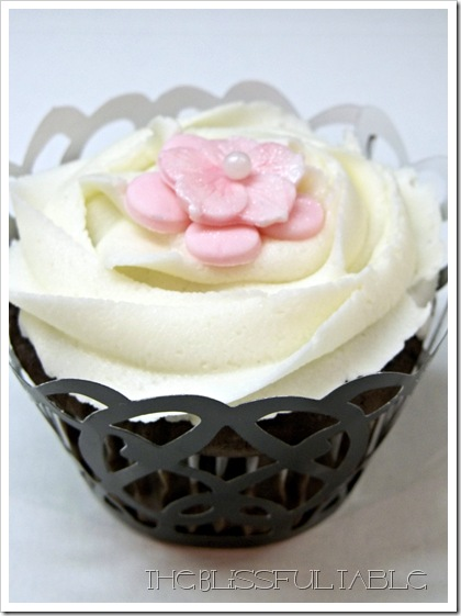cupcakes with flowers 009a