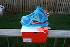 nike lebron 9 ps elite lebron pe china 3 08 Closer Look at Nike LeBron 9 P.S. Blue Flame and Tennis Balls PEs
