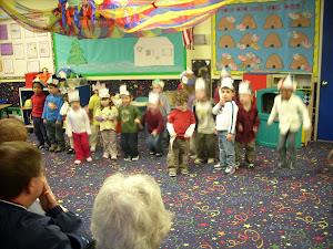 Dragonflies and Penguins doing their performance.