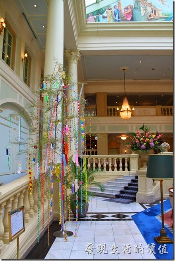 北九州-豪斯登堡-阿姆斯特丹大飯店。入住的時間剛好是七夕前,所以日本到處都看得到這個祈福的彩條。