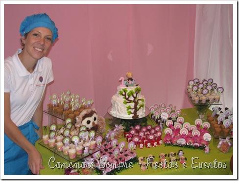 Mesa de doces Corujinhas; festa clean;