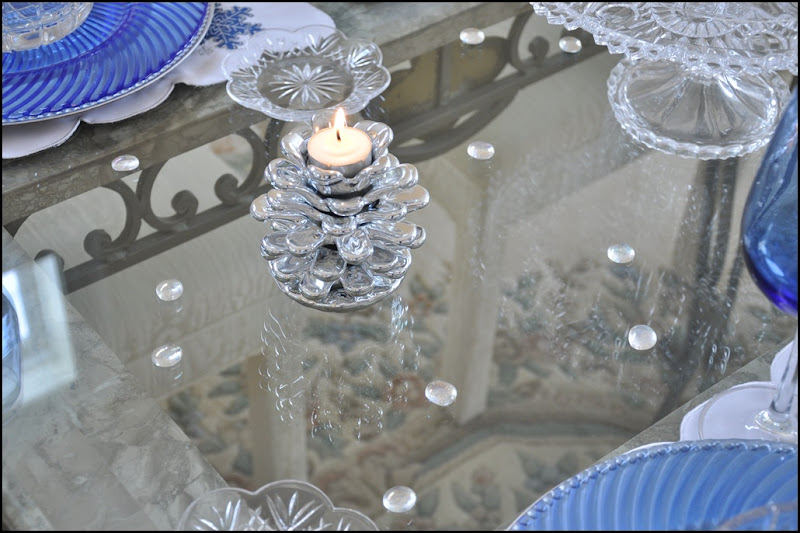 Jan Icey Blue Snowmen Table 030