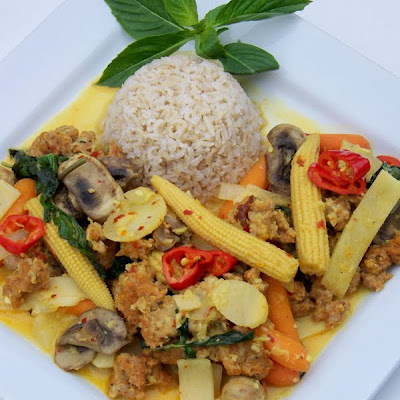 Thai Sausage Curry with Basil and Coconut Milk