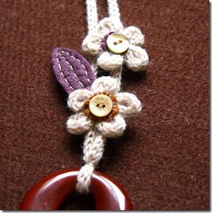 collana lana e feltro 1-3