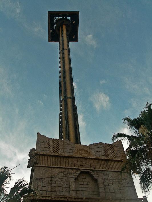 79. Порт Авентура. Port Aventura. Salou. Costa Dorada. Spain. Тем временем готовы наши фотографии, которые делаются автоматически в момент, когда вас отпускают в свободное падение с высоты в 100м.
