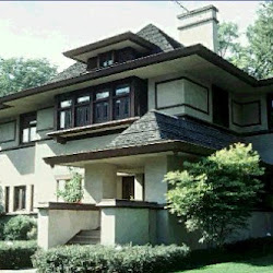 16.- F. Lloyd Wright. Casa Hills de Caro