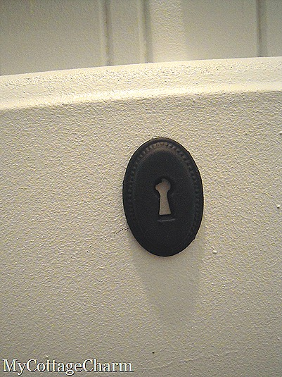 keyhole hardware