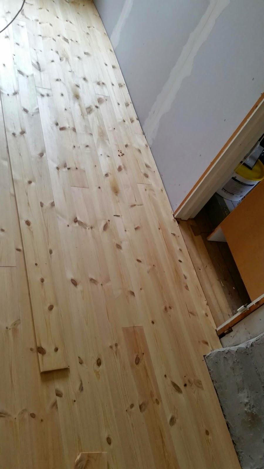 Lägga golv, bygga innervägg & vaxa golv   Klockaregården