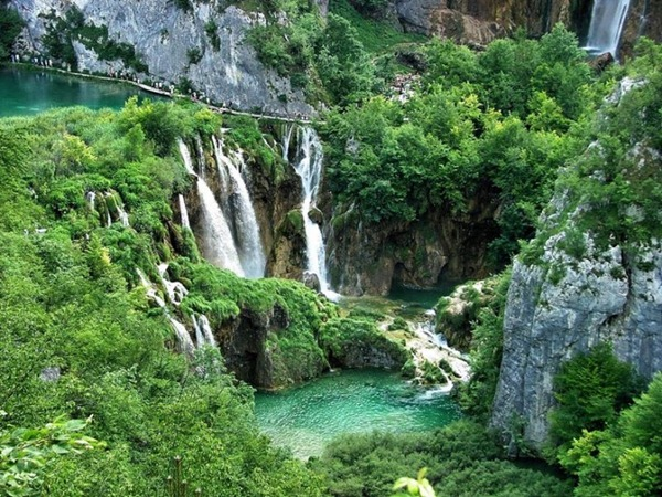Plitvice-Lake-Croatia7-728x546