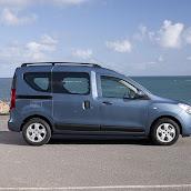 2013-Dacia-Dokker-Official-73.jpg