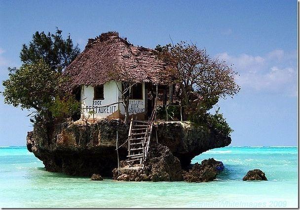 非洲坦桑尼亞的島上餐館(應該是珊瑚礁吧)