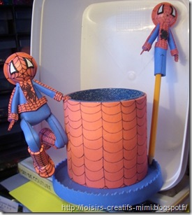 pot à crayon spiderman en mousse et sa déco pour  crayon à papier