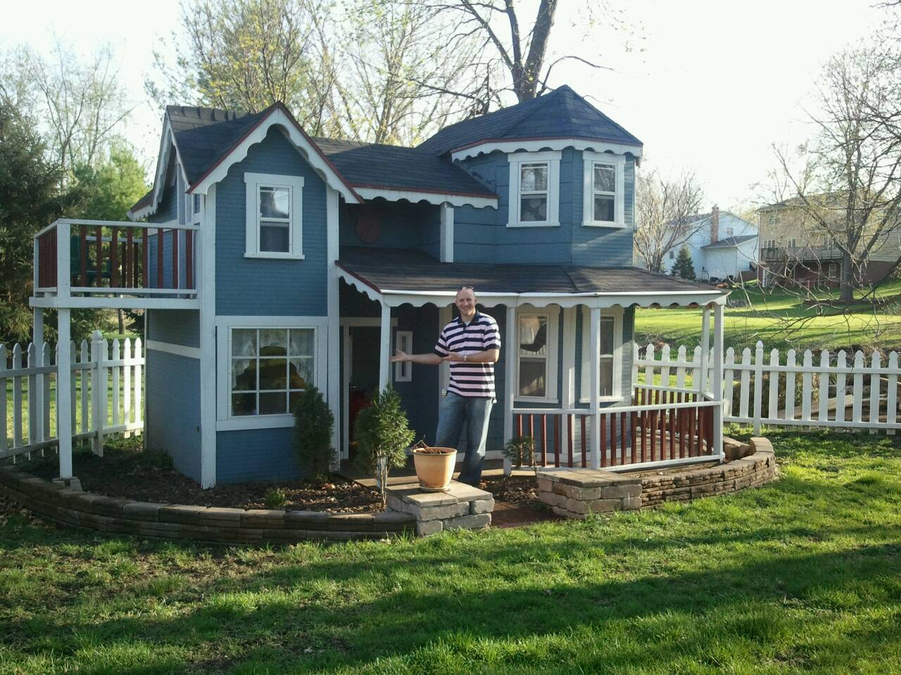 a peakin to our lives we bought a house