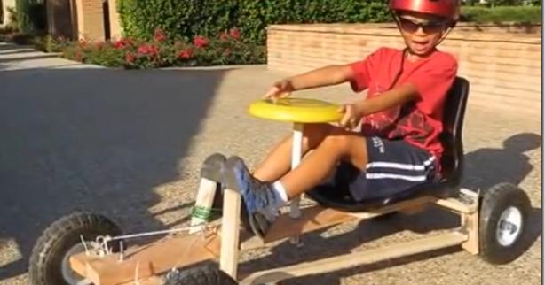 Pai cria kart movido a furadeira para o filho