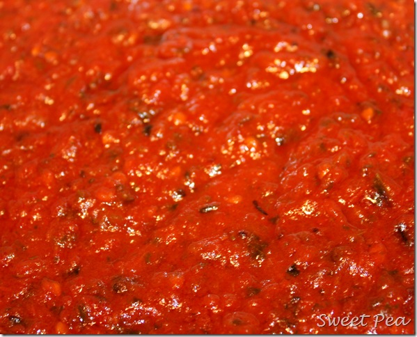 Roasted Tomato Sauce - Slow roasting of tomatoes, onions, and peppers yields a to-die-for in flavor sauce.  virginiasweetpea.com