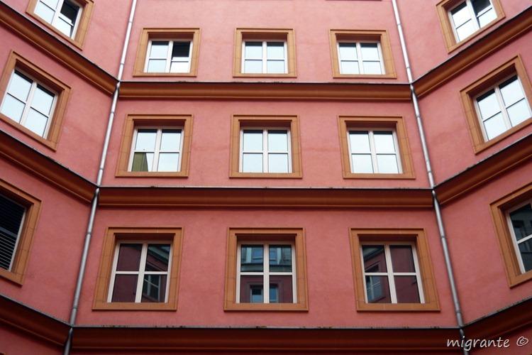 fachada interior 2 - aldo rossi en berlin