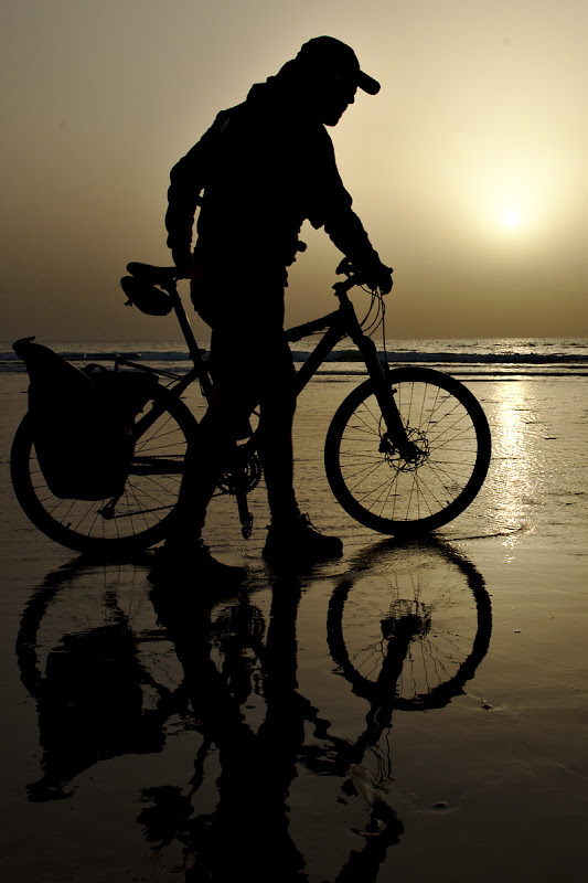 Uriasul si bicicleta.