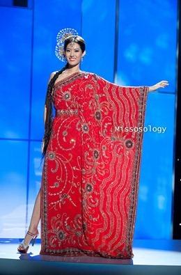 miss-uni-2011-costumes-47