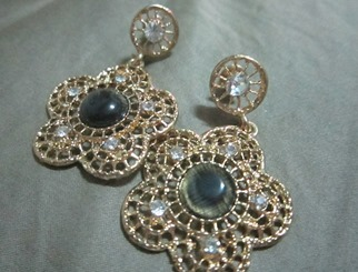 hyphen flower earrings, bitsandtreats