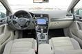 2013-Volkswagen-Golf-32