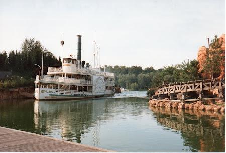 Disneyland Paris, vasul Molly Brown