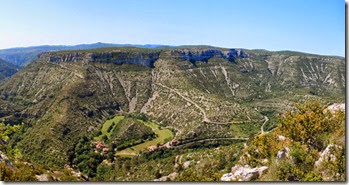 Randonnée en boucle (17 km) le 5 juin au départ de Blandas pour la résurgence de la Vis .