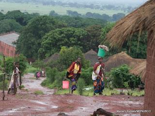 Scène du villqge de Pweto, à la frontière avec la Zambie, au Katanga, 2007.