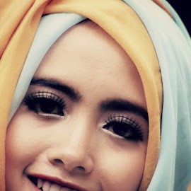 Ajeng by Rian Farrell Irsyad - Novices Only Portraits & People