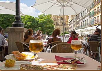 Segovia, lunch at Plaza major