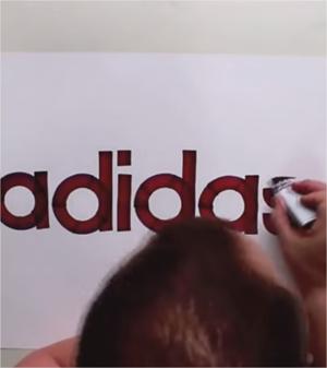 Seb Lester, el diseñador que dibuja logotipos emblemáticos a mano