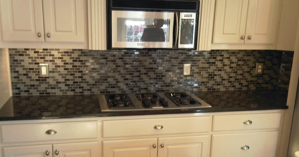 Glass tile backsplash casual cottage Backsplash or no backsplash