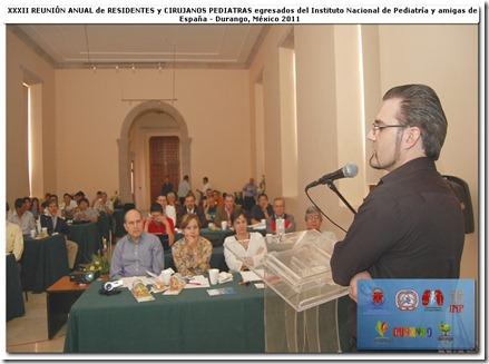 """Conférence """"Accélérateur de particules : l'auditoire composé de chirurgiens pédiatres d'Espagne et du Mexique."""