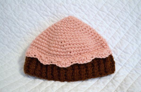 crocheted cupcake beanie