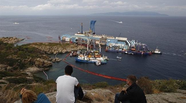 Δείτε live την επιχείρηση ανέλκυσης του Costa Concordia [live]
