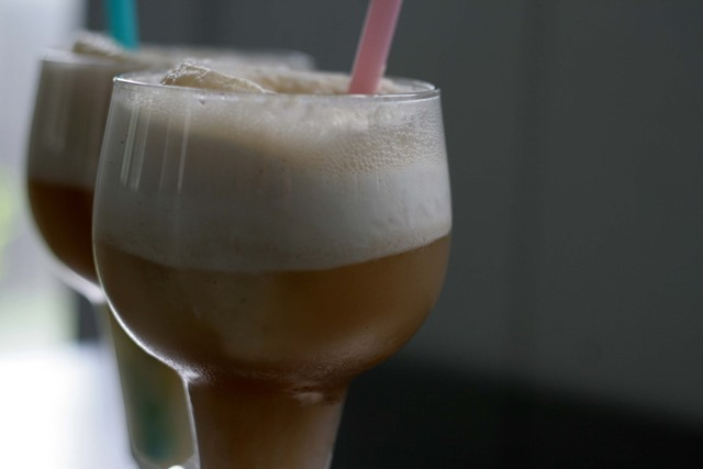 boozy cream soda float 104