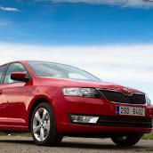 2013-Skoda-Rapid-Sedan-2.jpg