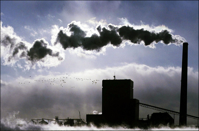 A coal burning plant in South Dakota. Photo: Bruce Crummy / Fargo Forum Newspaper via AP Photo