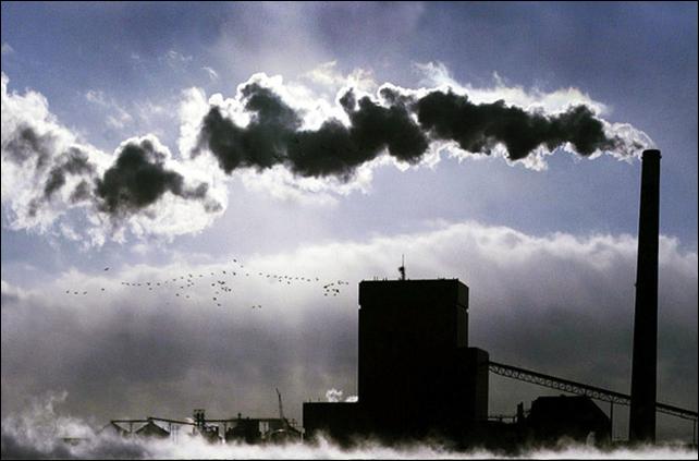 A coal burning plant in South Dakota. Photo: Bruce Crummy / Fargo Forum Newspaper via AP Photo