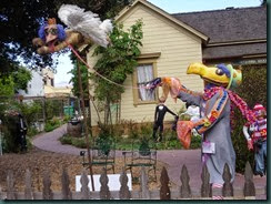 Halloween scarecrows Cambria, mulch pile garden 013