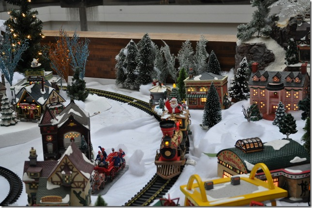 12-22-11 Happy State Bank train and towns 16
