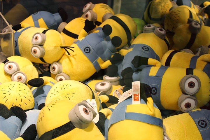 minions sadly stuck in a con machine
