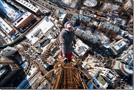 extreme-rooftopping-skywalking-photos-mustang-wanted-russia-20