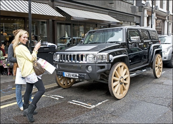 HUMMER_with_Wooden_Wheels_3