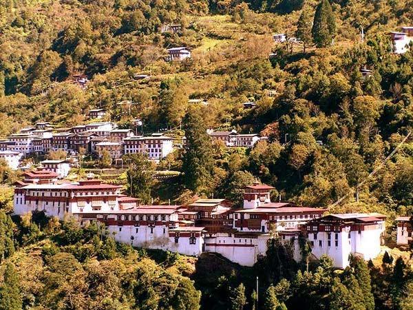 ghe-bhutan-tham-tu-vien-co-xua-huyen-bi (4)