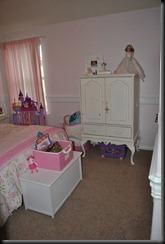 ellies room 031
