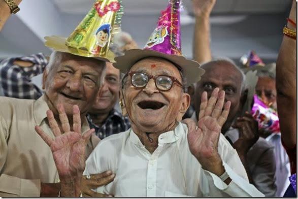 APTOPIX India Global Aging