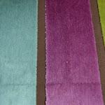 Tkanina obiciowa, trudnopalna. Pluszowa. Motyw geometryczny - pasy. Zielona, fioletowa.