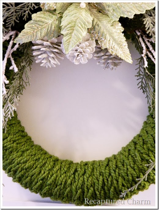 finger knitted christmas wreath15