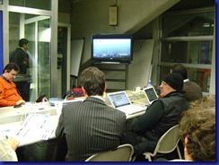 giornalisti davanti tv per nebbia tardini
